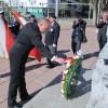 Uroczystość składania wieńców przed Memoriałem Wojennym w Centrum Edmonton