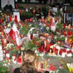 Smoleńsk 2010! Pamietamy! Czuwanie przed Domem Polskim 11 kwietnia 2010 r.
